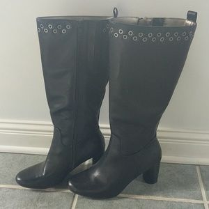 Heeled boots by Kim Rogers